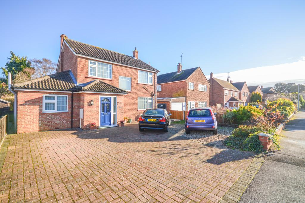 3 Bedrooms Detached House for sale in Stourdale Close, Lawford