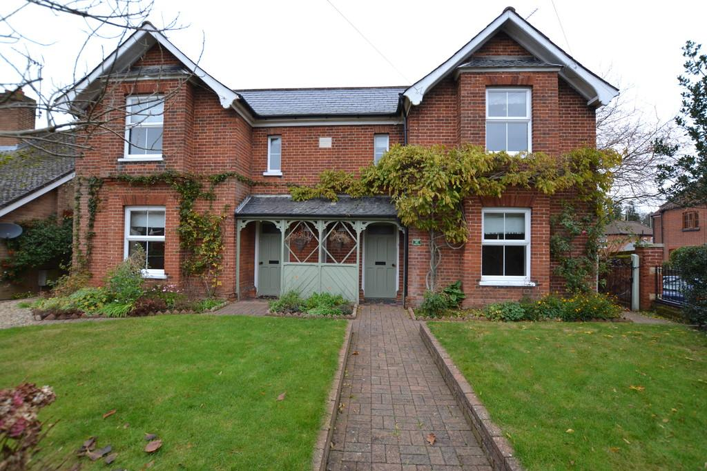 5 Bedrooms Detached House for sale in Bure Way, Aylsham