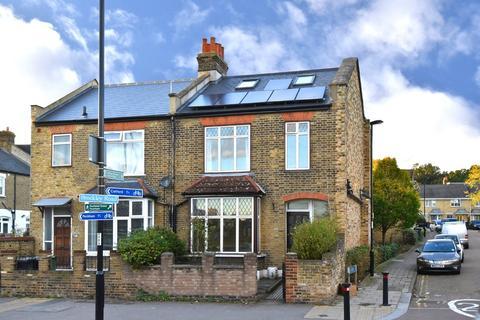4 bedroom terraced house to rent - Brockley Road SE4