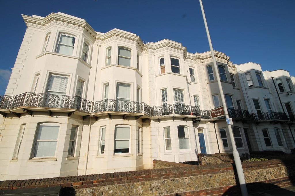1 Bedroom Flat for sale in Brighton Road, Worthing, BN11 2ES