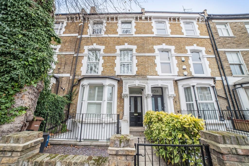 3 Bedrooms Apartment Flat for sale in Rectory Road, London