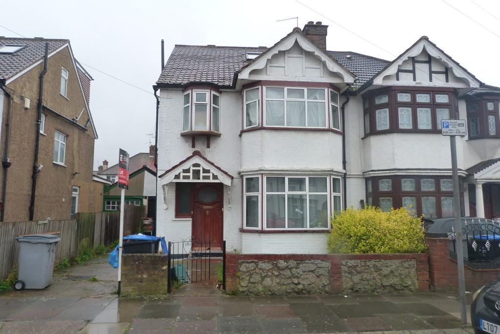4 Bedrooms Semi Detached House for sale in Fleetwood Road, Willesden