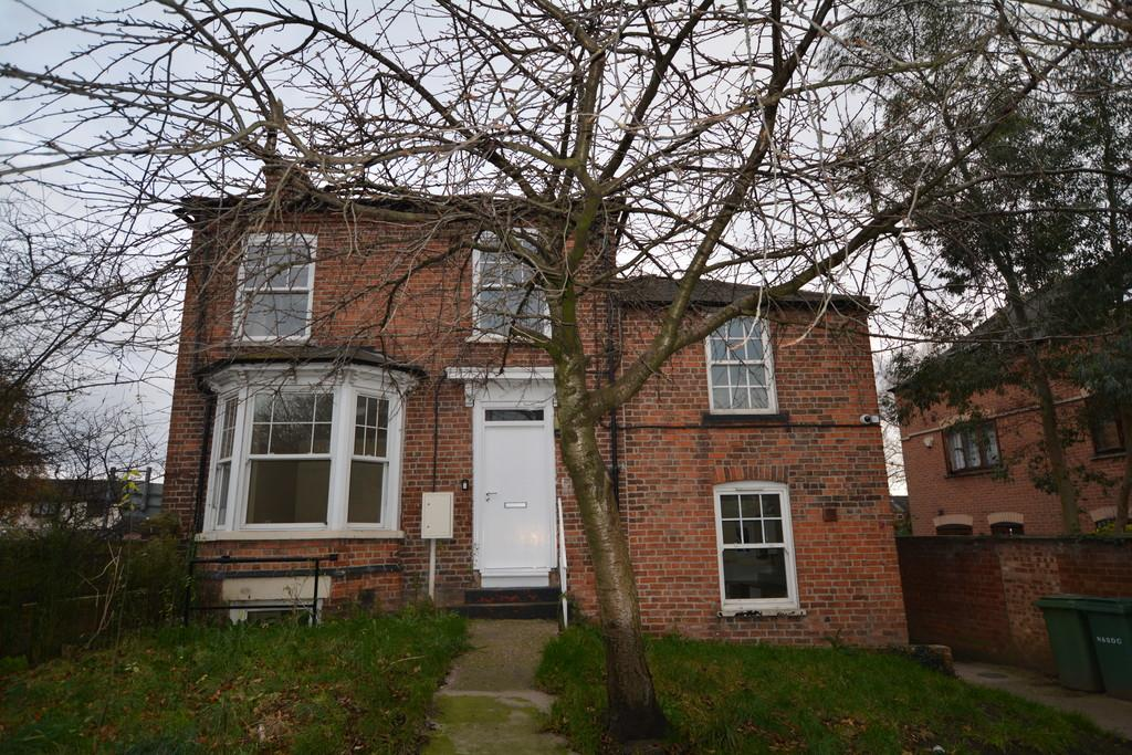 3 Bedrooms Town House for sale in 62 Barnby Gate, Newark