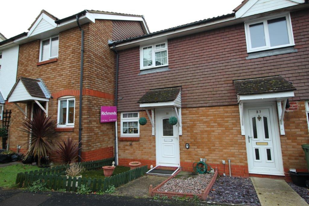 2 Bedrooms Semi Detached House for sale in Devonshire Gardens, Bursledon SO31