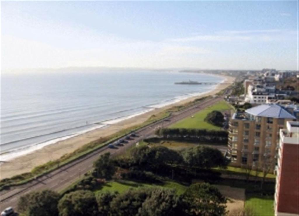 3 Bedrooms Flat for rent in Albany, Manor Road, Bournemouth, Dorset