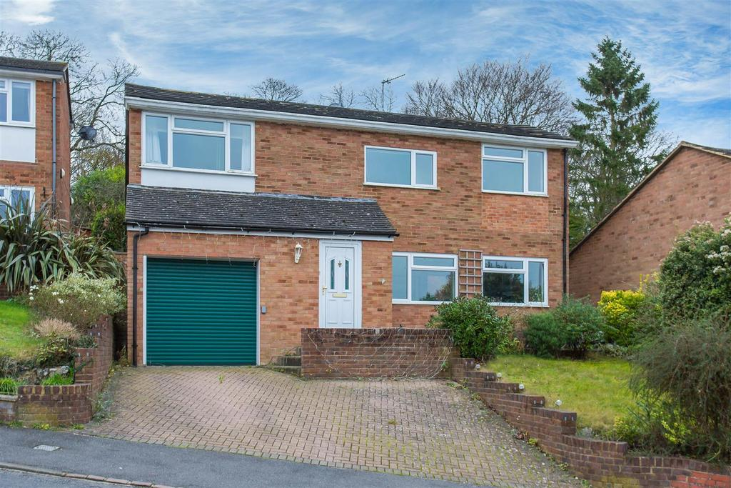 3 Bedrooms Detached House for sale in Green Hill, High Wycombe