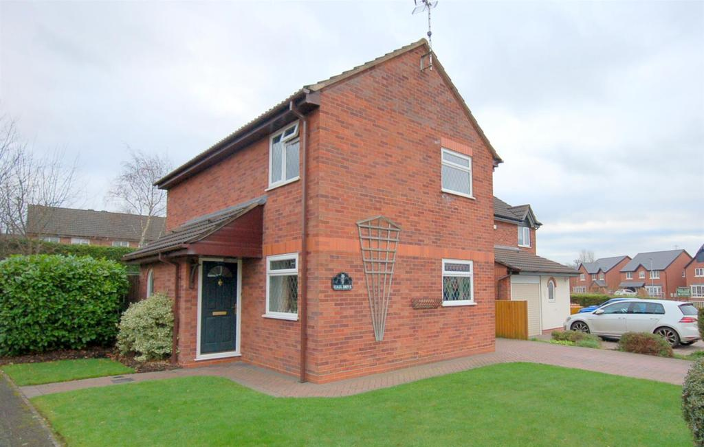3 Bedrooms Detached House for sale in Hall Drive, Alsager