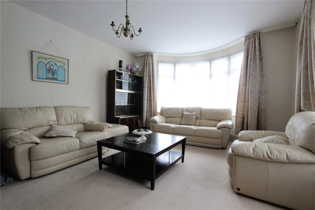 3 Bedrooms Bungalow for sale in Forty Close, Wembley, HA9