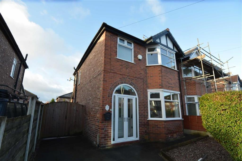 3 Bedrooms Semi Detached House for sale in Ravenswood Road, STRETFORD
