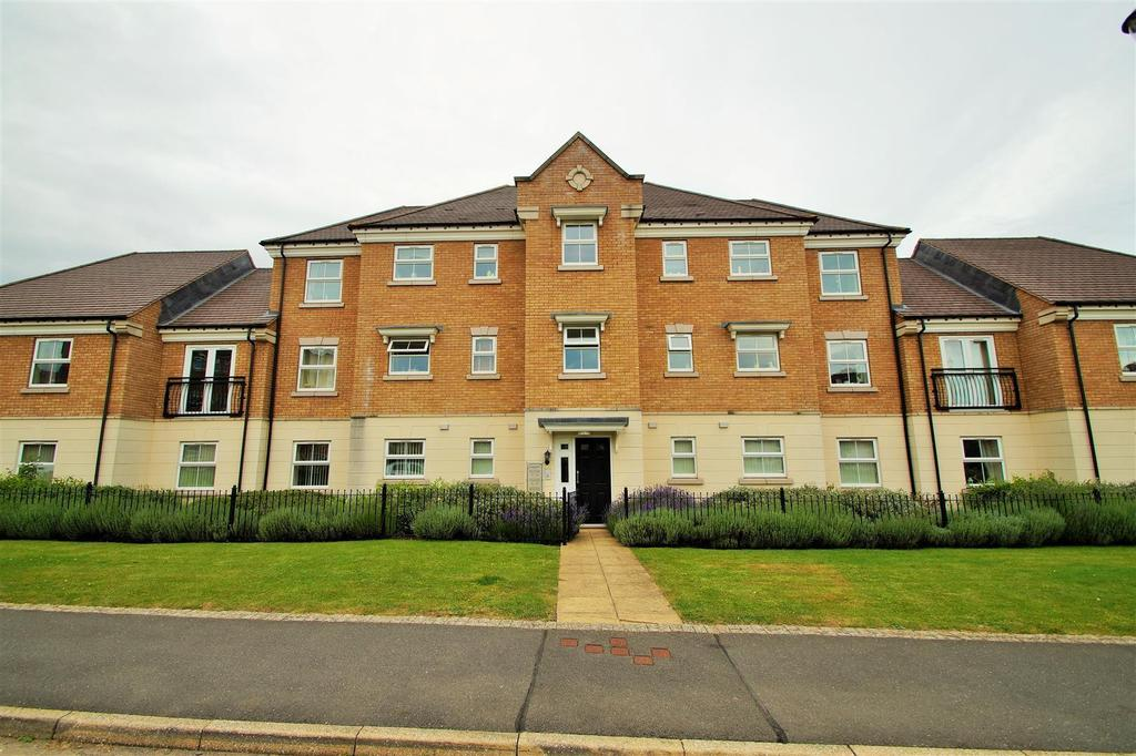 2 Bedrooms Flat for sale in Longstork Road, Rugby
