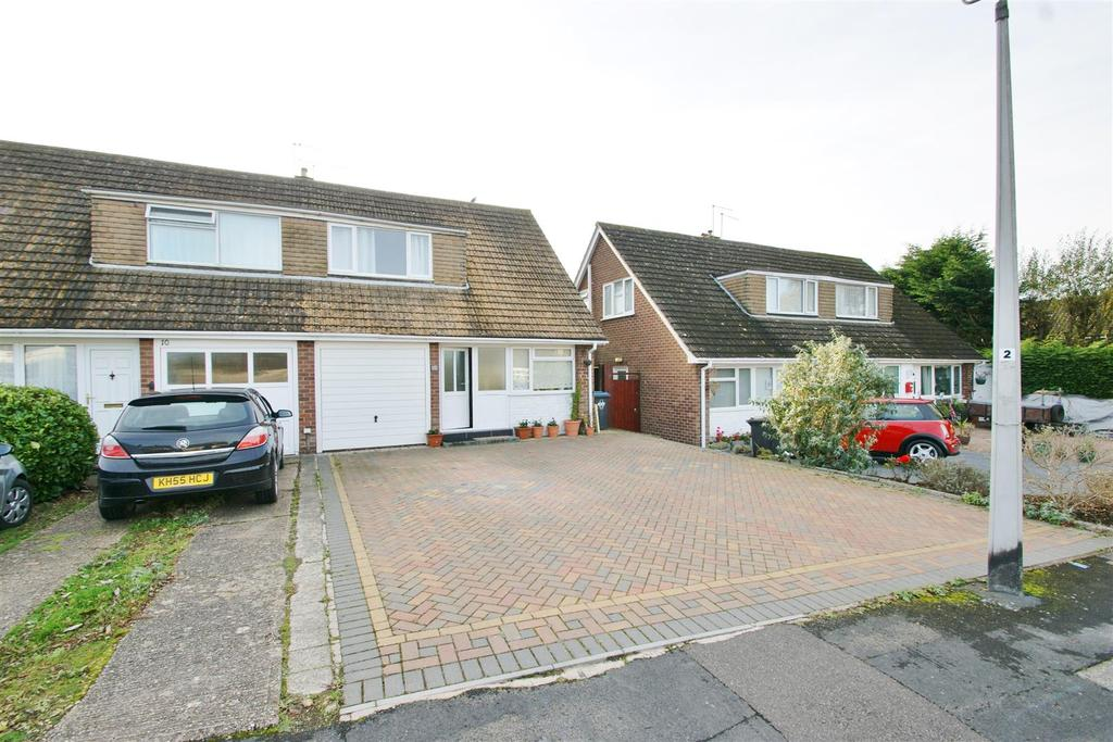 3 Bedrooms Semi Detached House for sale in Dickens Road, Rugby