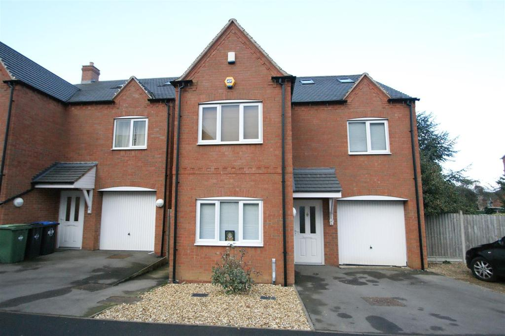 5 Bedrooms House for sale in Windmill Close, Rugby