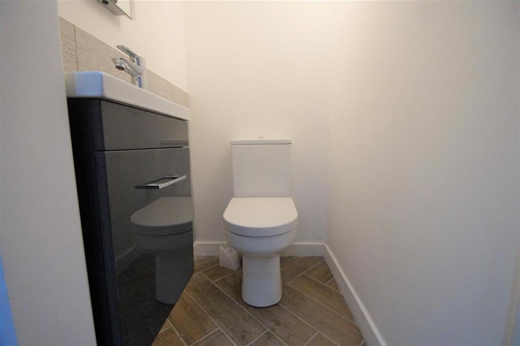 DSC02837 81 spen WC.jpg