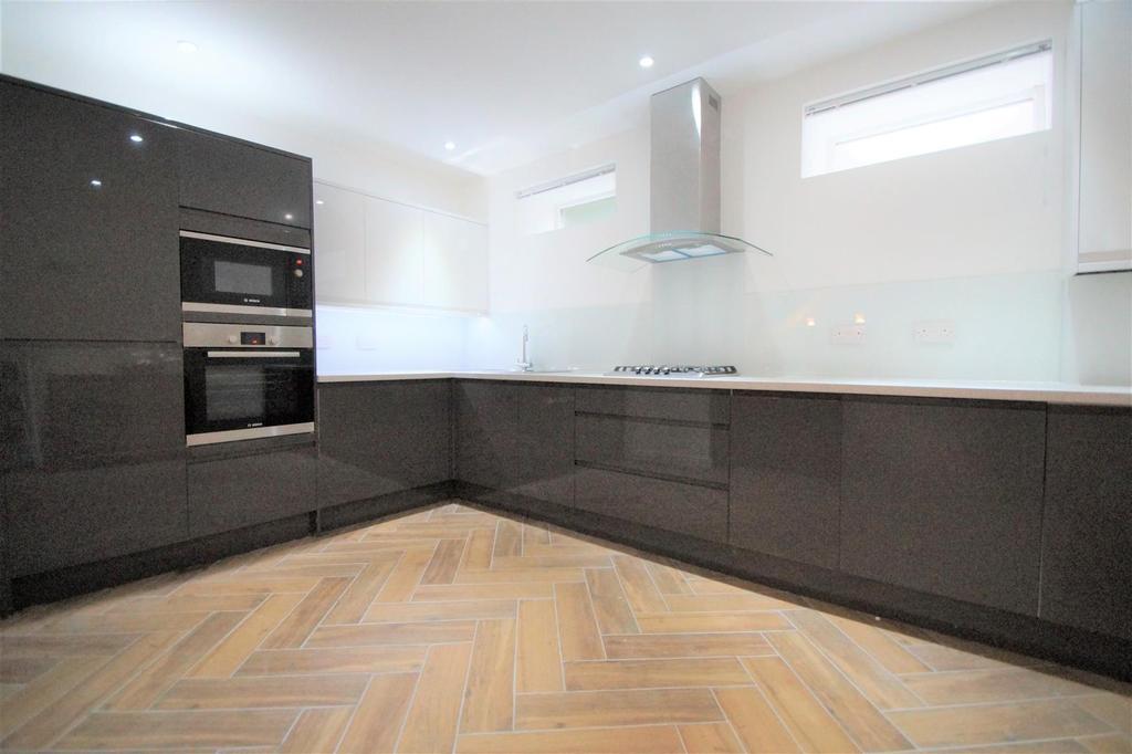 Kitchen DSC02843.jpg