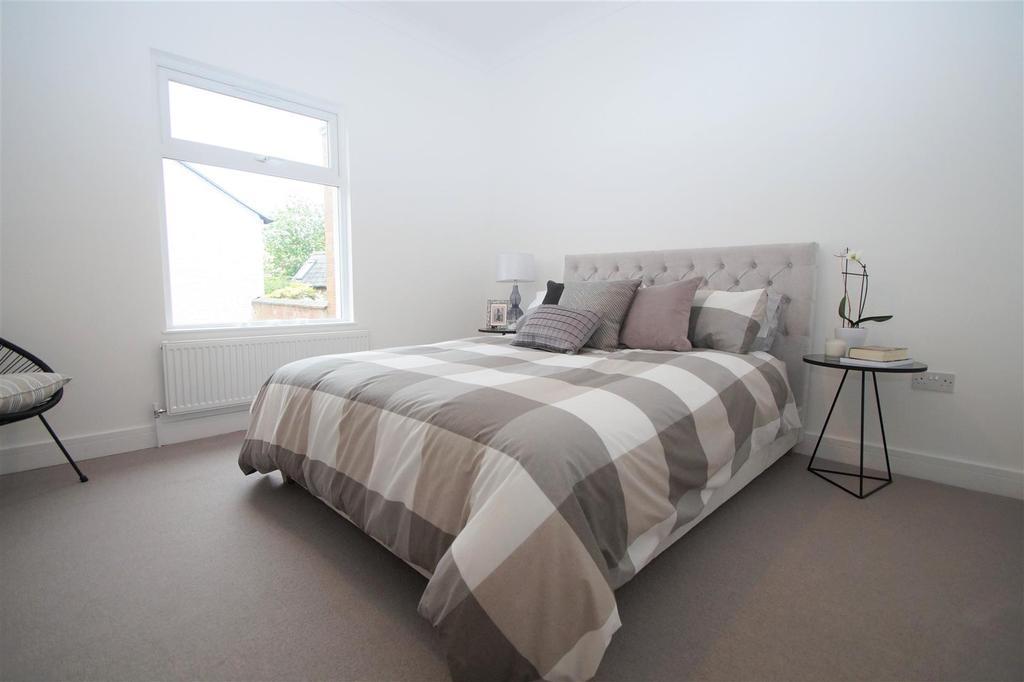 Bedroom 83 DSC02865.jpg