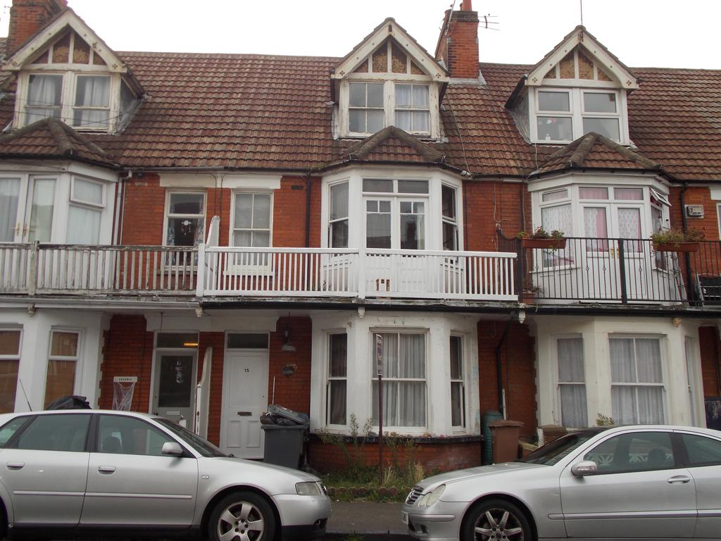 7 Bedrooms Terraced House for sale in Holland Road, Felixstowe, IP11