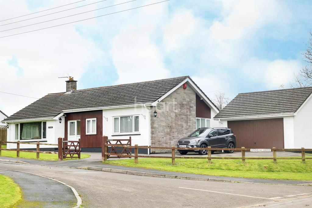 3 Bedrooms Bungalow for sale in Dundry, BS41