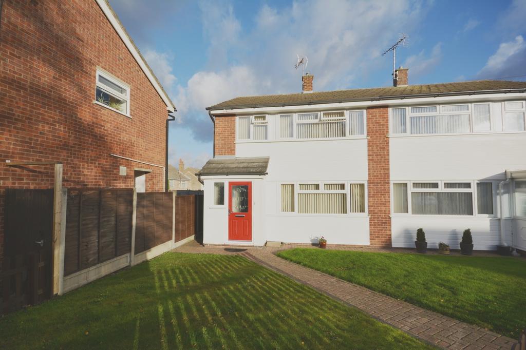 3 Bedrooms Semi Detached House for sale in Bedells Avenue, Black Notley, Braintree, Essex, CM77