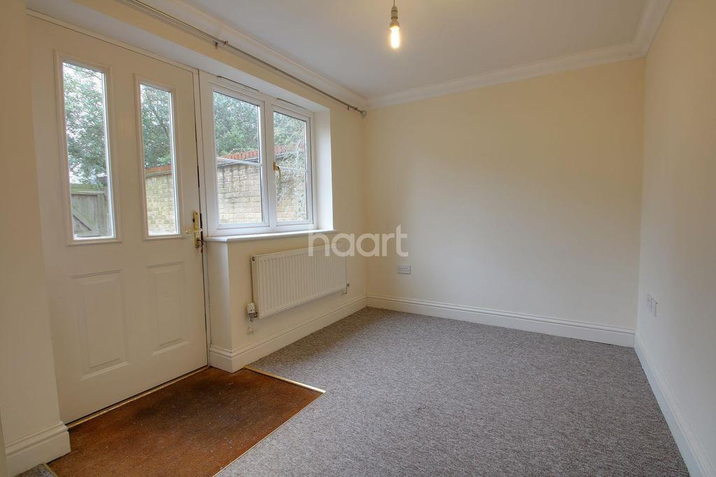 2 Bedrooms Flat for sale in Drovers Avenue