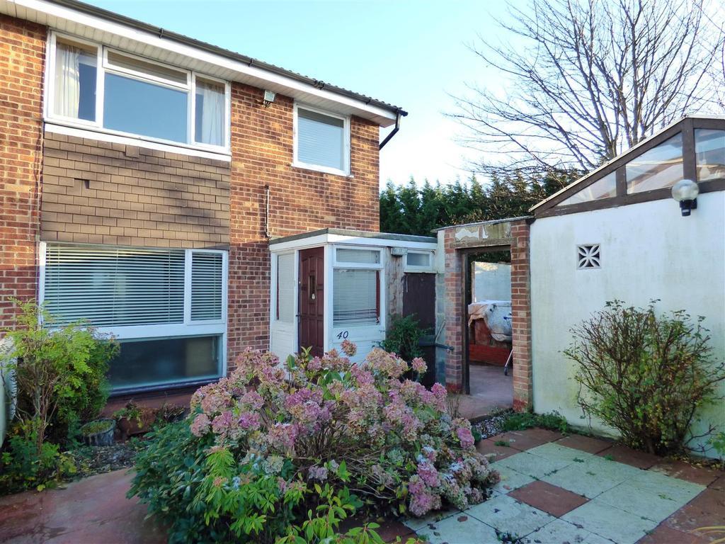 3 Bedrooms Semi Detached House for sale in Geraldton Avenue, Bradford