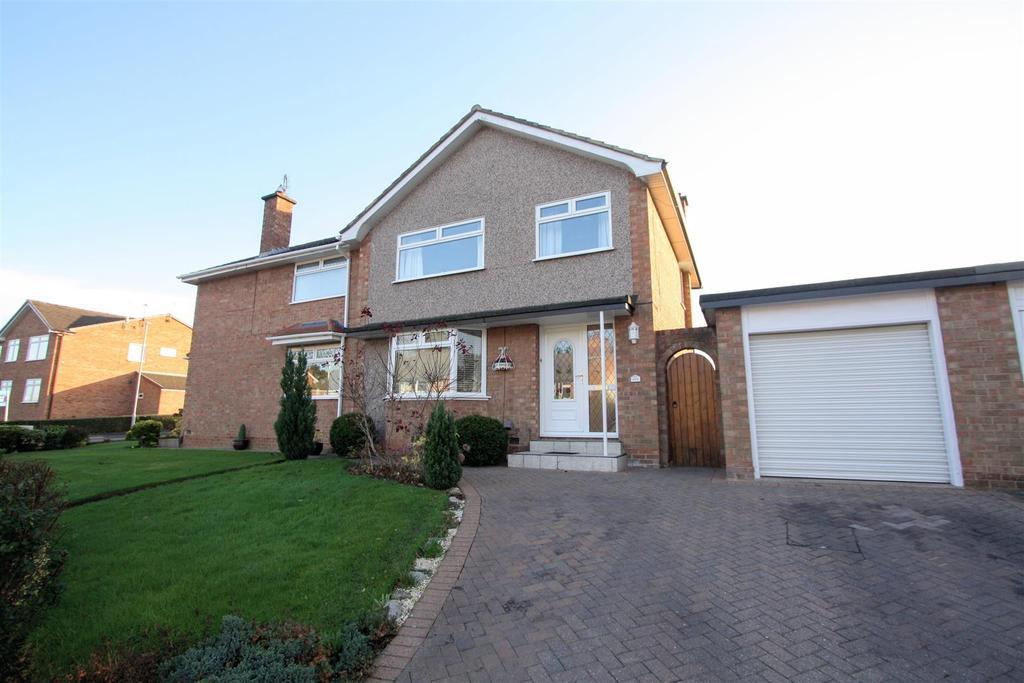 3 Bedrooms Semi Detached House for sale in Hummersknott Avenue, Darlington