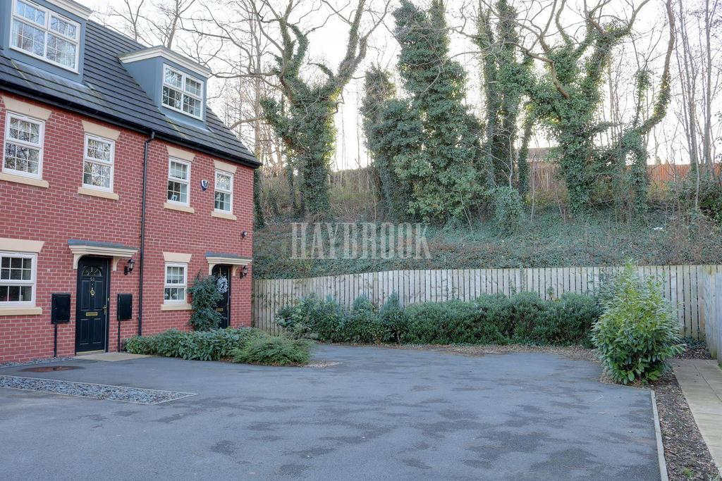 3 Bedrooms Terraced House for sale in Woodbourn Gardens, Wombwell