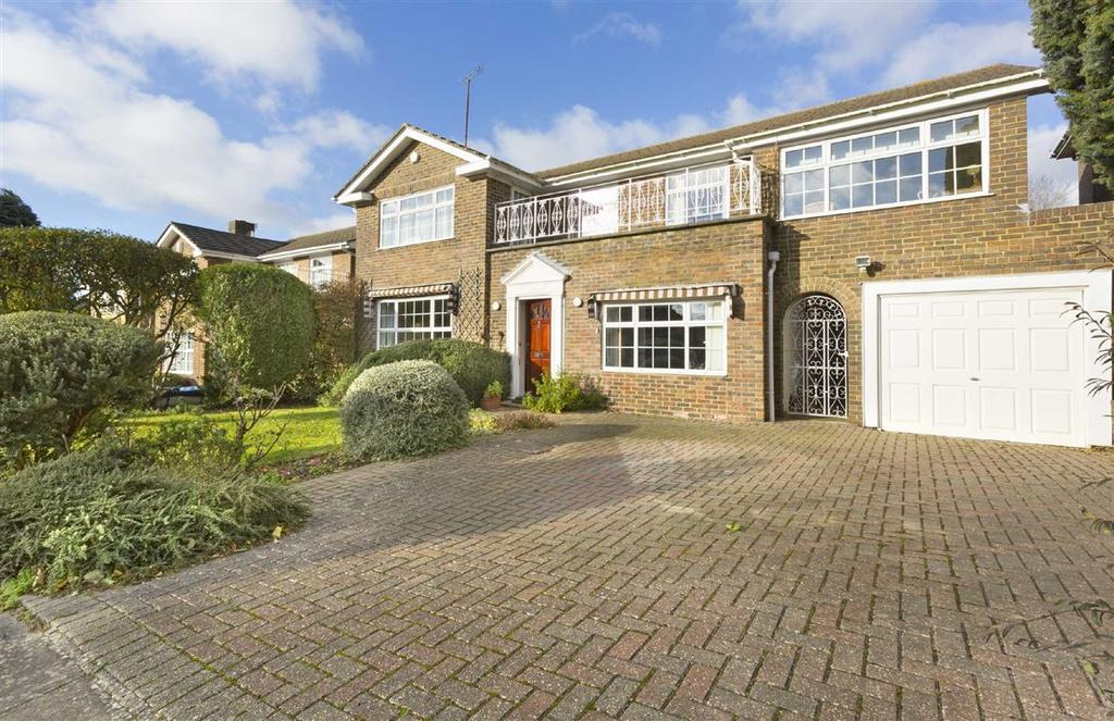 5 Bedrooms Detached House for sale in Chalfont Drive, Hove, East Sussex