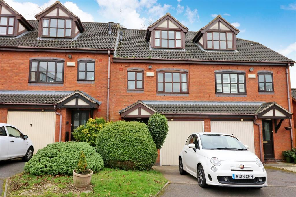 3 Bedrooms Town House for sale in Remburn Gardens, Warwick