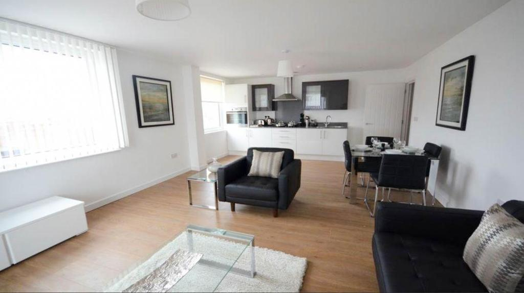 2 Bedrooms Apartment Flat for sale in Nova House, Slough