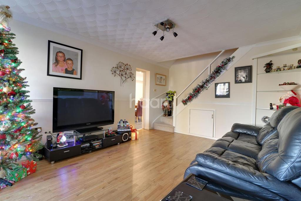 3 Bedrooms Semi Detached House for sale in Pennycress Close, Haydon Wick, Swindon