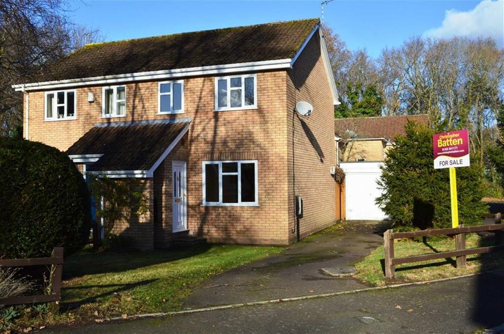 3 Bedrooms Semi Detached House for sale in Bay Close, Wimborne, Dorset