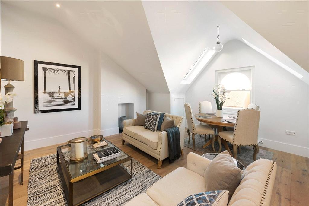 2 Bedrooms Flat for sale in 152 Hartfield Road, Wimbledon, London, SW19