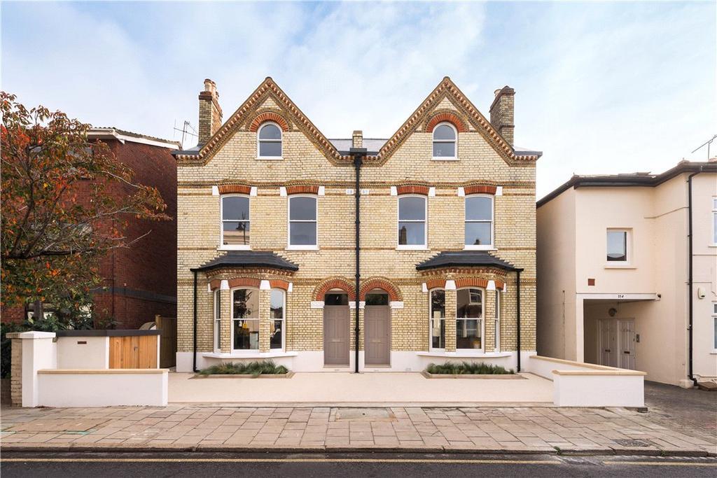 1 Bedroom Flat for sale in 152 Hartfield Road, Wimbledon, London, SW19