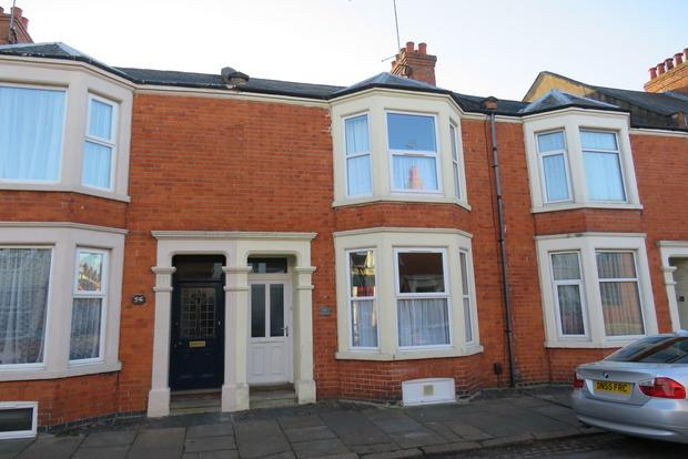 3 Bedrooms Terraced House for sale in Cedar Road, Northampton, NN1