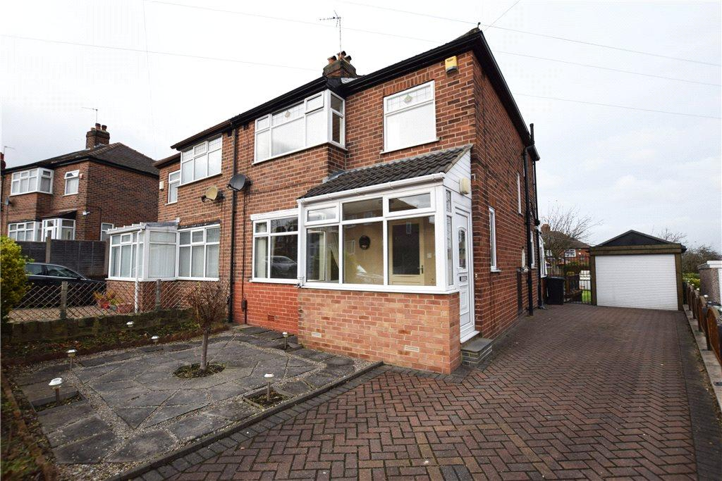 3 Bedrooms Semi Detached House for sale in Gotts Park Crescent, Leeds