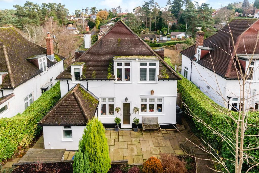 4 Bedrooms Detached House for sale in Golf Links Avenue, Hindhead, Surrey