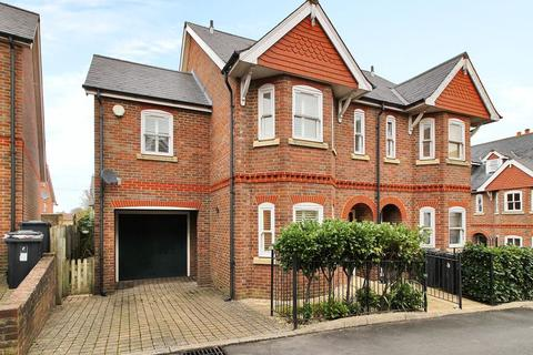 3 bedroom semi-detached house for sale - Tyhurst Place, Uckfield, East Sussex