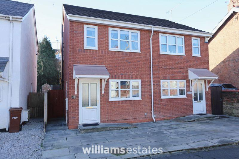 3 Bedrooms Semi Detached House for sale in High Street, Bagillt