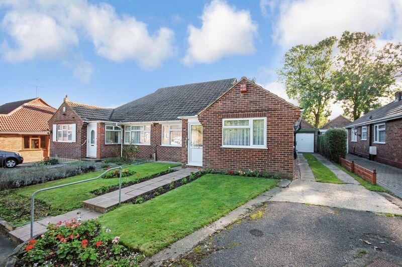 3 Bedrooms Semi Detached Bungalow for sale in Silver Birch Close, Dartford