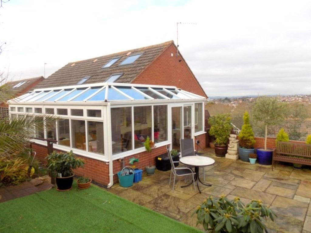 3 Bedrooms Detached Bungalow for sale in Powderham View, Hamilton Lane