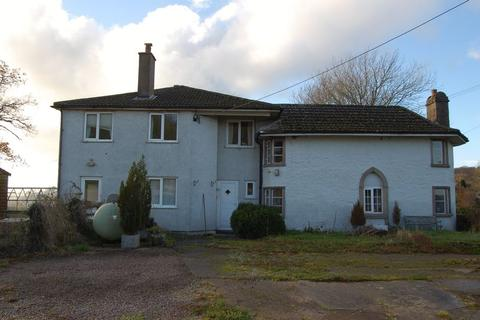 4 bedroom farm house for sale - Four bed detached farmhouse with outbuildings and approximately eleven acres
