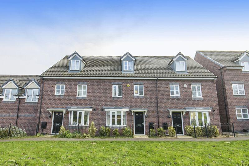 4 Bedrooms Terraced House for sale in COLLEGE GREEN WALK, MICKLEOVER, DERBY