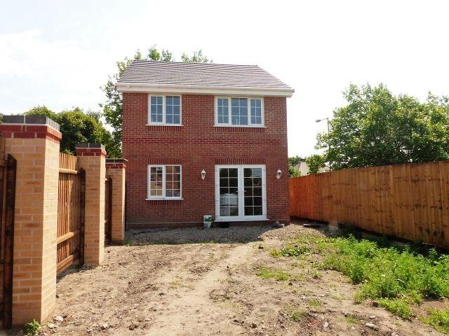 4 Bedrooms Detached House for sale in Bentley Road North, West Midlands