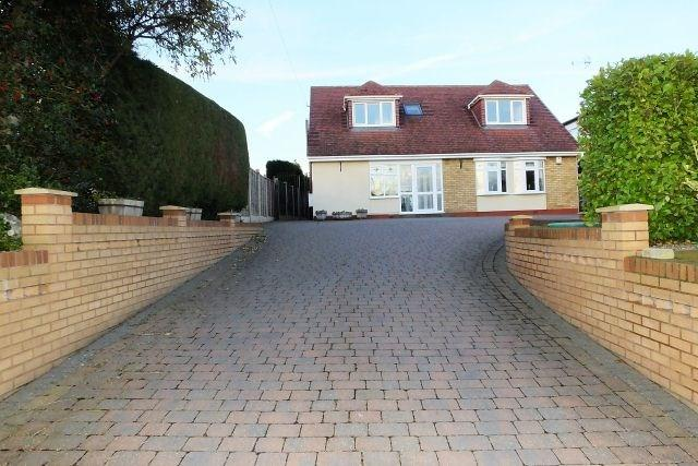 4 Bedrooms Detached House for sale in Church Lane,Middleton