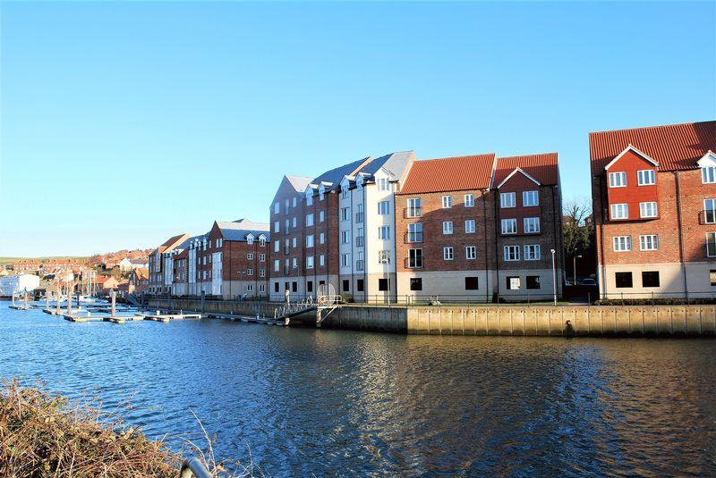 2 Bedrooms Apartment Flat for sale in Whitehall Landing, Whitby