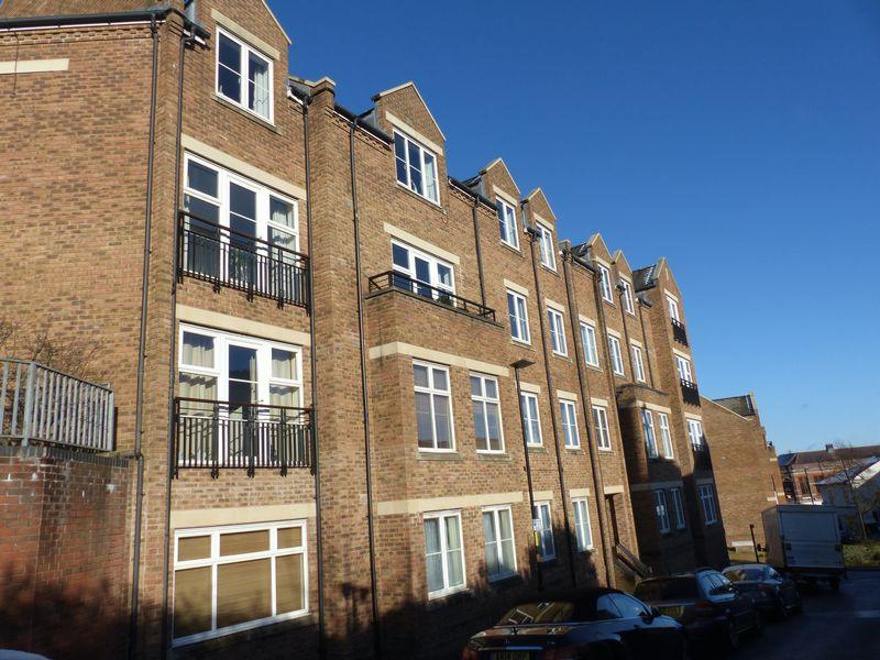 2 Bedrooms Apartment Flat for sale in Caversham Place, Sutton Coldfield