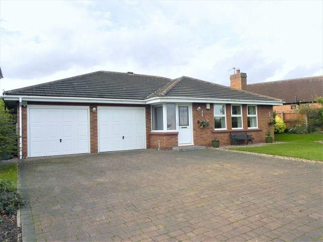 2 Bedrooms Detached Bungalow for sale in Greenacres, Sutton Coldfield