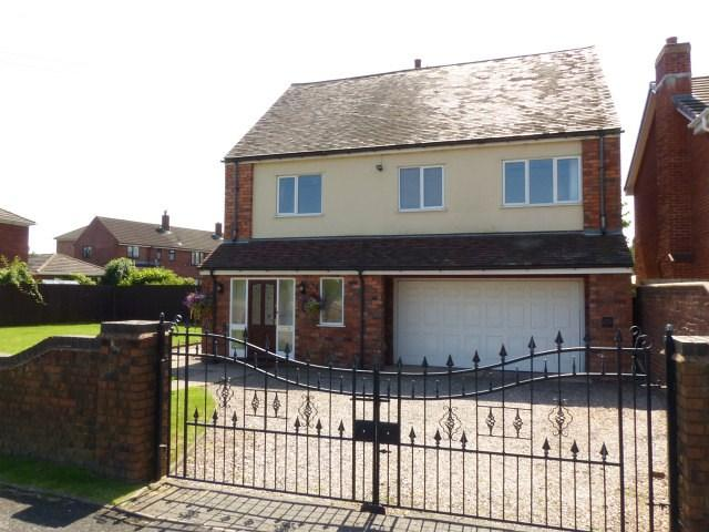 4 Bedrooms Detached House for sale in Nest Common, Pelsall
