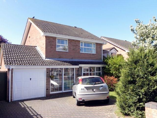 4 Bedrooms Detached House for sale in Newmarsh Road, Sutton Coldfield