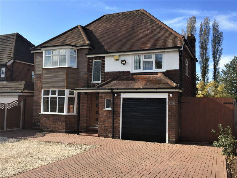 4 Bedrooms Detached House for sale in Whitehouse Common Road, Sutton Coldfield